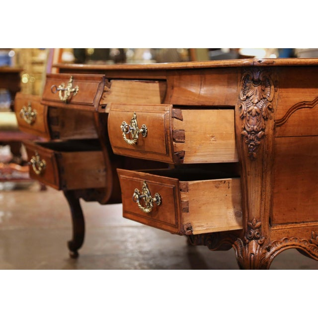18th Century French Louis XV Carved Serpentine Cherry Desk With Parquetry Top For Sale In Dallas - Image 6 of 13
