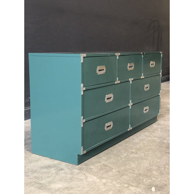 The perfect shade of green with complimenting original chrome hardware. Earthy and elegant this piece is ready to spice up...