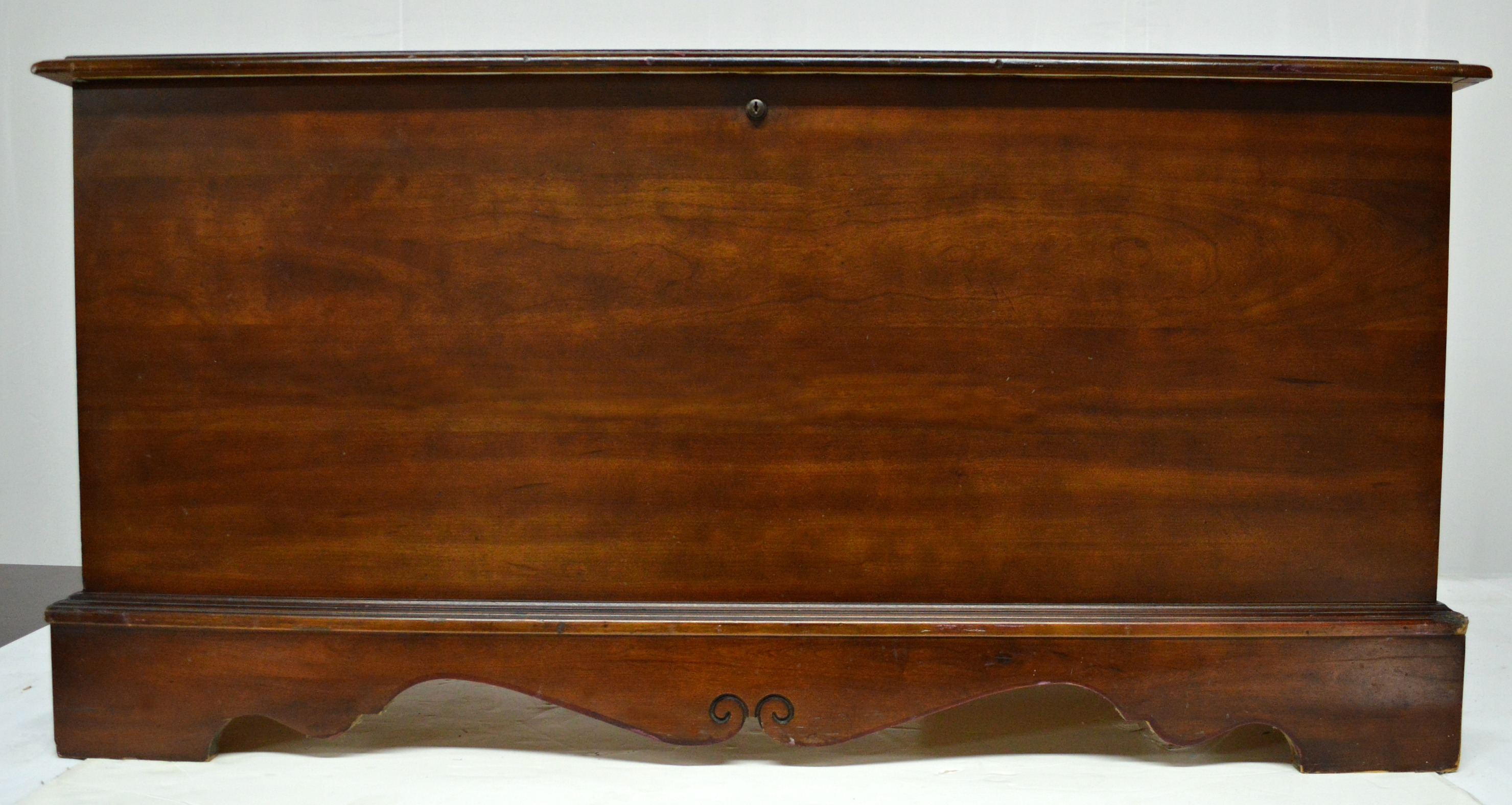 Traditional Vintage Cedar Chest By Lane Furniture For Sale   Image 3 Of 10