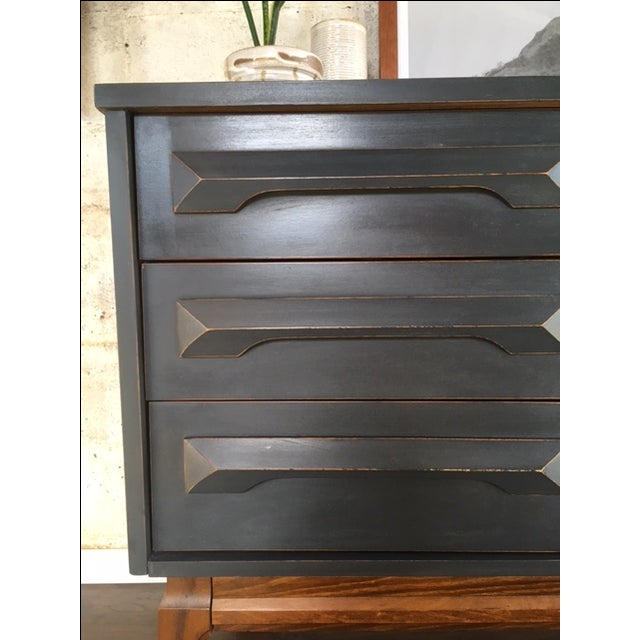 Sculpted Mid-Century Dresser in Graphite - Image 4 of 7