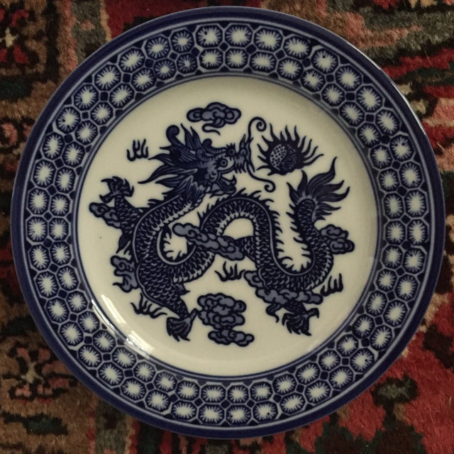 Vintage Chinoiserie Blue and White Asian Foo Dragon Decorative Plates - a Pair For Sale - Image 5 of 10