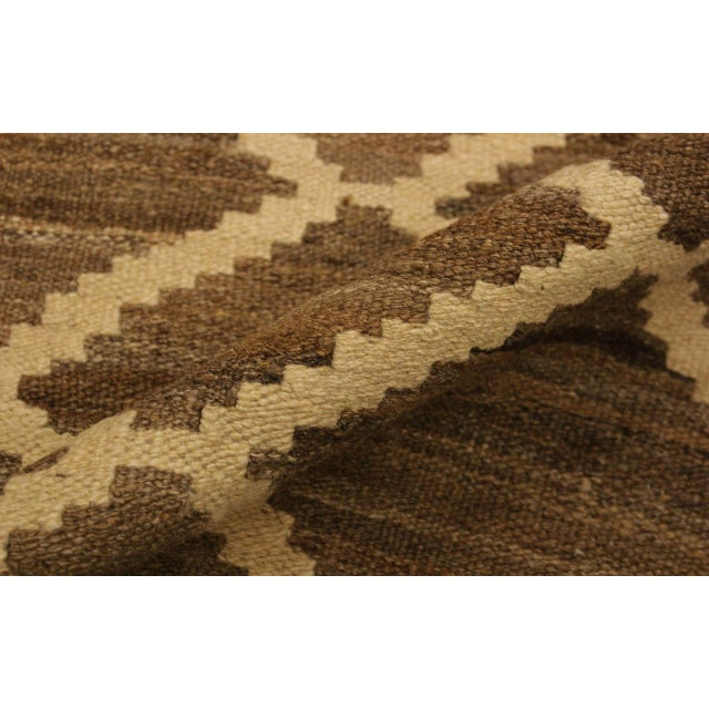 Boho Chic Yestin Lt. Brown/Ivory Hand-Woven Kilim Wool Rug -5'3 X 8'0 For Sale - Image 4 of 8