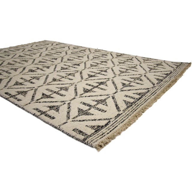 Early 21st Century Contemporary Modern Style Rug with High and Low Pile For Sale - Image 5 of 6