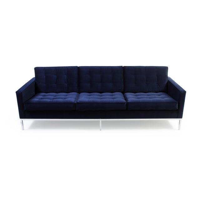 Mid-Century Modern Florence Knoll Sofa in Navy Velvet For Sale - Image 3 of 8