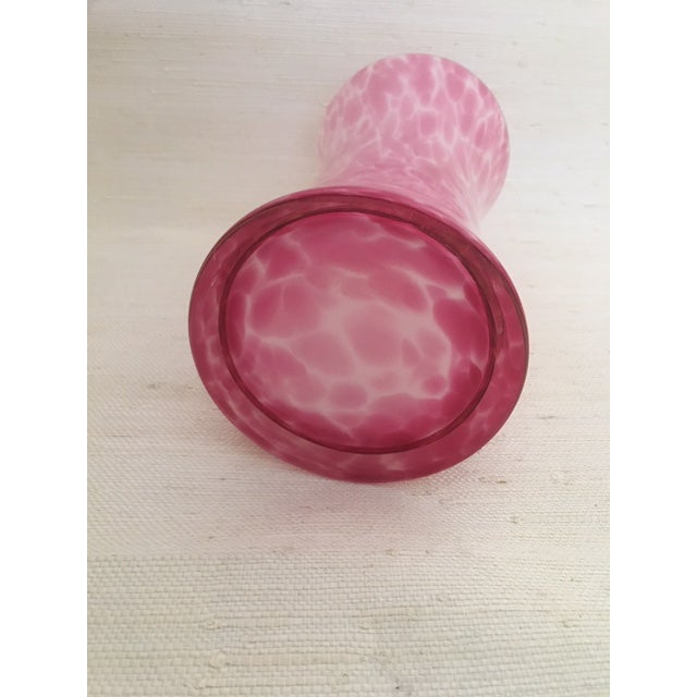 1980s Vintage Pink Glass Vase For Sale - Image 5 of 6