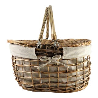 Cottage Brown Wicker Picnic Basket For Sale