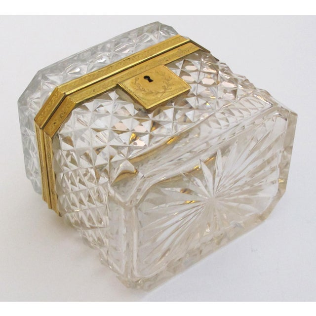 Cristalleries De Baccarat An Exquisite Antique Baccarat Diamond-Cut Crystal Vanity Box With Dore Bronze Mounts For Sale - Image 4 of 9