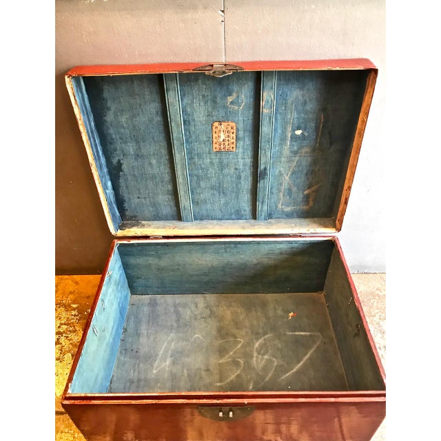 Large Chinese Lacquered Pigskin Trunk For Sale In Los Angeles - Image 6 of 10