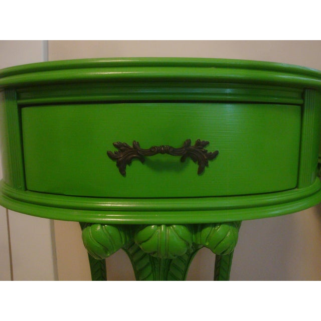Lime Pair Feather Plume Nightstands Side Tables Prince of Wales For Sale - Image 8 of 11
