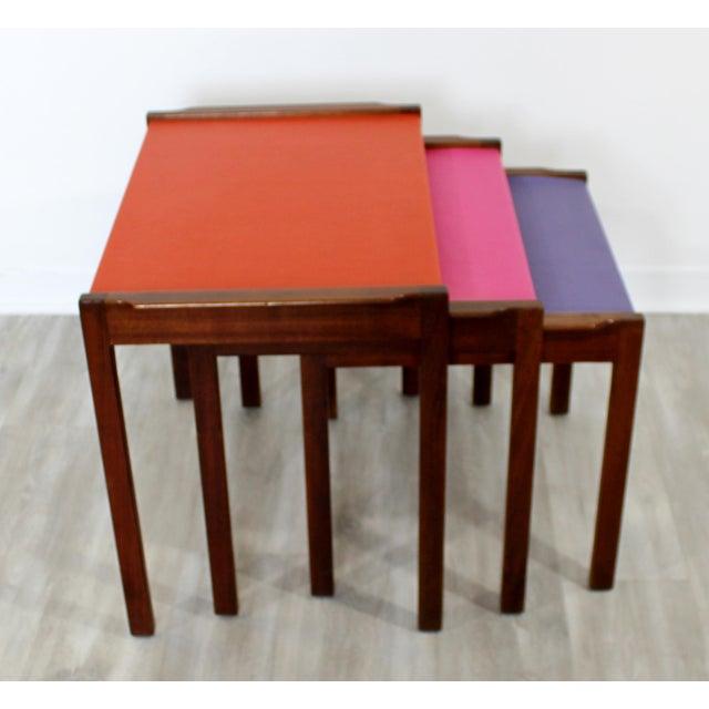 Wood Mid Century Modern Walnut Vinyl Nesting Side Tables Jens Risom Pink - Set of 3 For Sale - Image 7 of 9