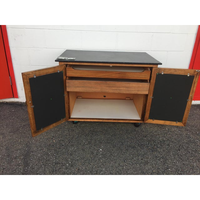 Mid-Century Mobile Rolling Bar Cart For Sale In San Francisco - Image 6 of 9