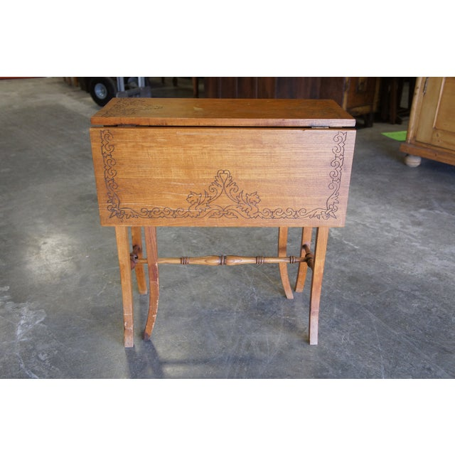 20th Century Arts & Crafts English Oak Gate-Leg Accent Table For Sale - Image 9 of 11