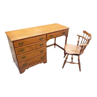 20th Century Early American Ethan Allen Heirloom Nutmeg Maple Student Desk With Chair - 2 Pieces For Sale