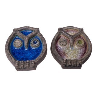 Pair of Vintage Norwegian Crackle Enamel and Stone Winking Owls For Sale