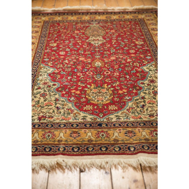 "Vintage Romanian Hereke Design Rug - 4'10"" X 7'6"" For Sale In New York - Image 6 of 10"