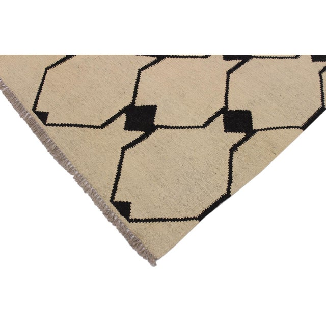 Contemporary Abstract Kilim Dorthey Ivory Hand-Woven Wool Rug -5′8″ × 7′4″ For Sale - Image 3 of 8