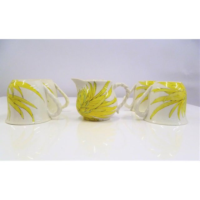 1960s Modern Ernestine Ceramics, Salerno, Italy 1960s, 5 Cups Saucers Plus Creamer Chrysantemum Pattern - Set of 12 For Sale - Image 5 of 12