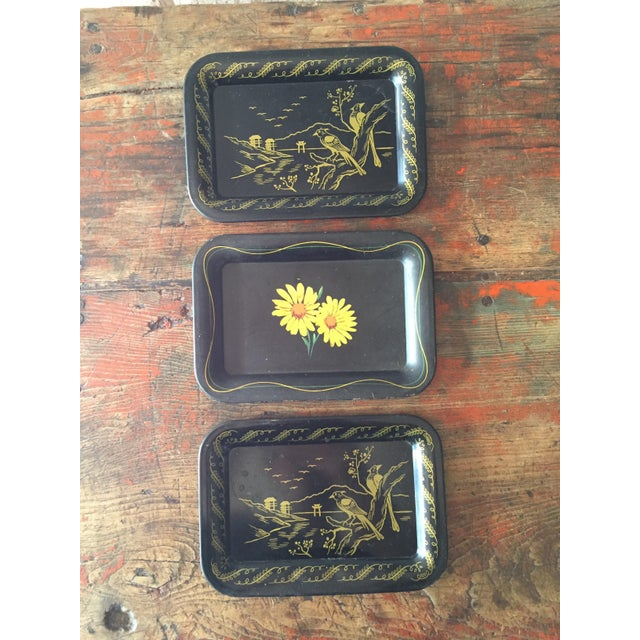 Daisies and Ravens Toile Trays - Set of 3 - Image 2 of 6