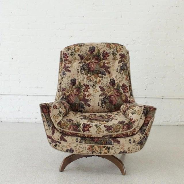 Mid-Century Modern 1970s Vintage Original Flower Chair For Sale - Image 3 of 7