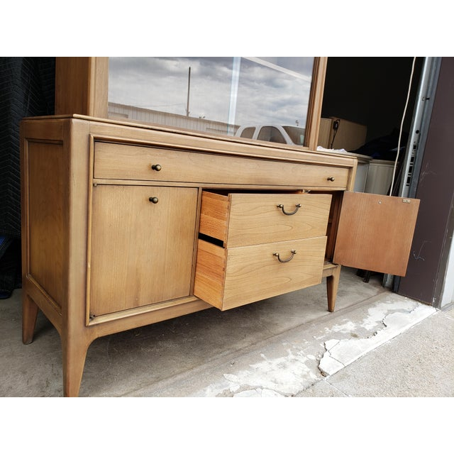 Vintage 1960's Century Furniture China Cabinet For Sale - Image 6 of 10