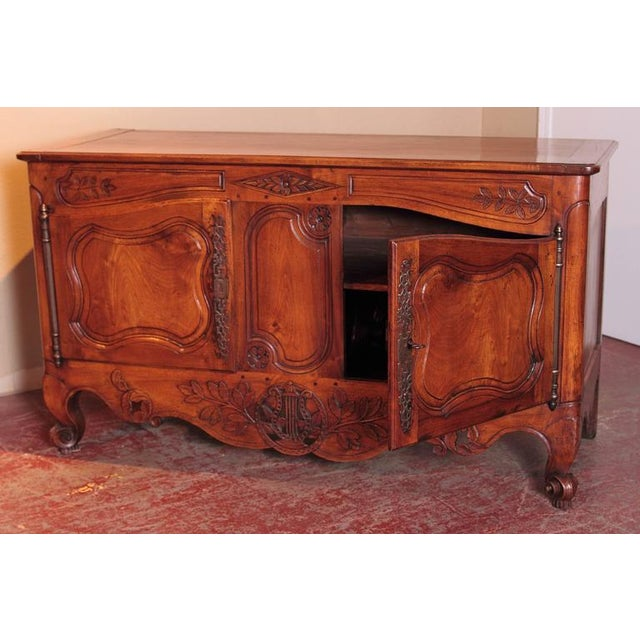 18th Century French Louis XV Carved Walnut Two-Door Buffet from Provence For Sale In Dallas - Image 6 of 10