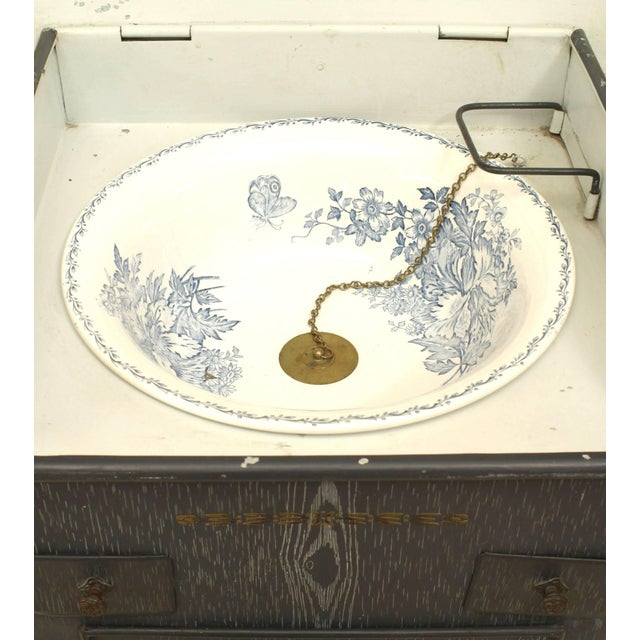 French Provincial French Provincial Grey Faux Wood Painted Tole Washstand For Sale - Image 3 of 6
