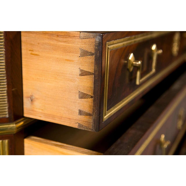 French Louis XVI-Style Chest of Drawers For Sale In New York - Image 6 of 9