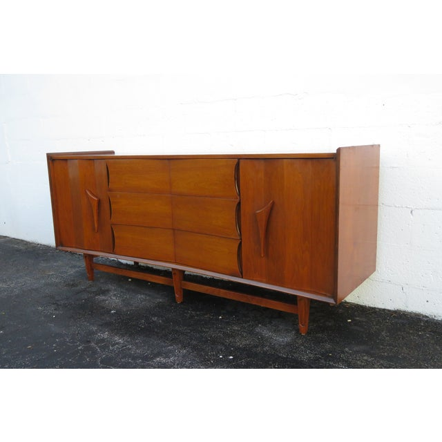 Mid Century Modern Long Dresser Sideboard Tv Media Console 2714 For Sale - Image 10 of 11