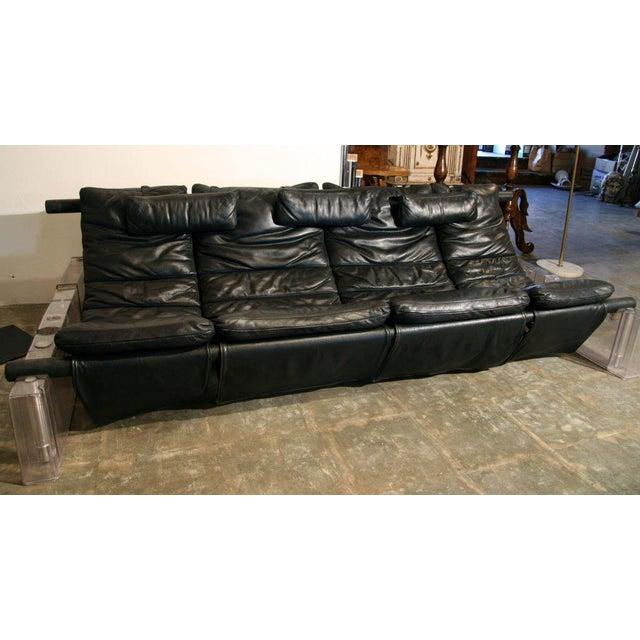 "Vittorio Mazzucconi ""Positiv"" Plexi and Leather Sofa For Sale - Image 4 of 11"