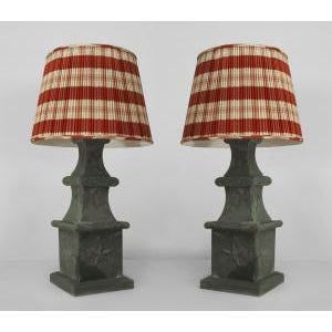 American Victorian green tole outdoor 4-tier finial posts mounted as table lamps- A Pair For Sale - Image 4 of 4