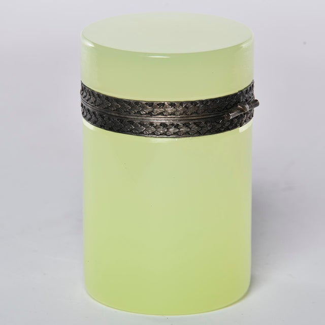 French Opaline Uranium Glass Cylindrical Hinged Box For Sale In Detroit - Image 6 of 8