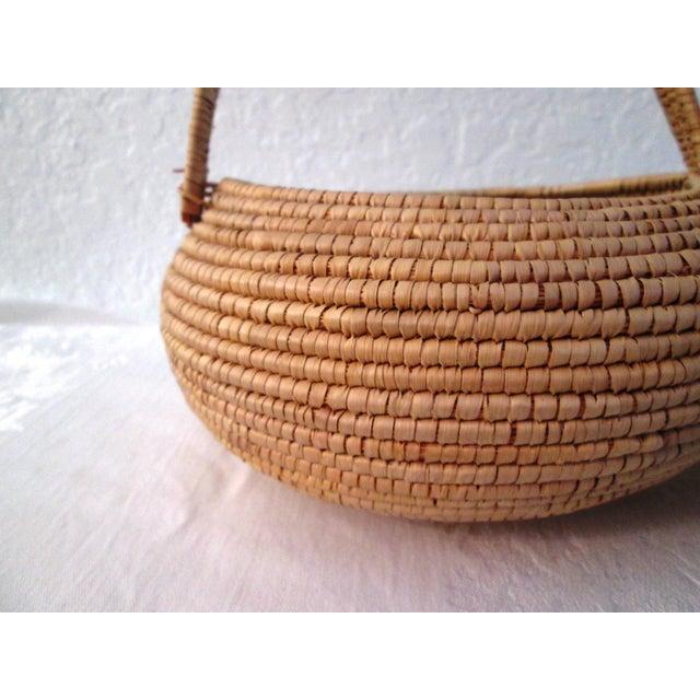 African Lidded Woven Basket - Image 4 of 5