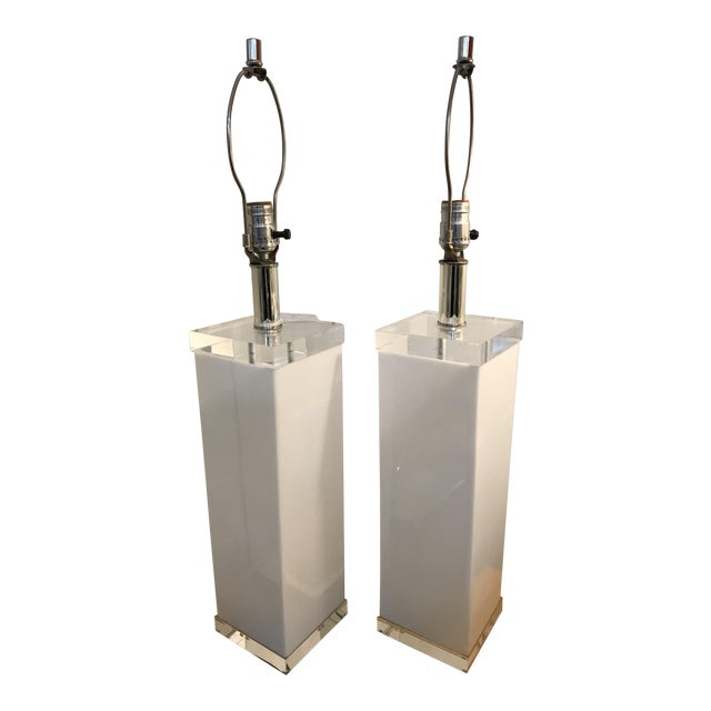 Mid Century White Lucite Column Lamps - A Pair For Sale