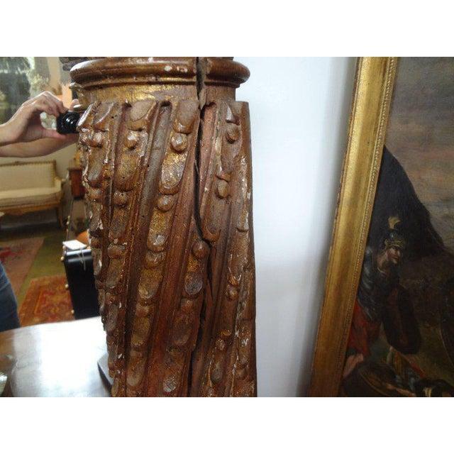 19th Century Italian Giltwood Corinthian Column Table Lamp For Sale - Image 4 of 11