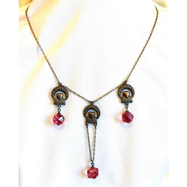 Gold 1920s Deco Era Brass and Pink Faceted Glass Necklace For Sale - Image 8 of 8