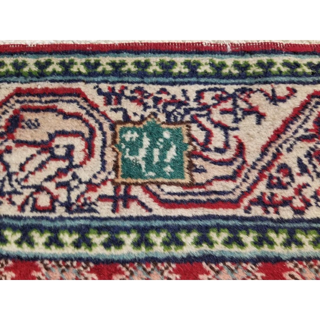"1950s 1950s Vintage Arak Persian Rug 2' 8"" X 4' 9"" For Sale - Image 5 of 8"