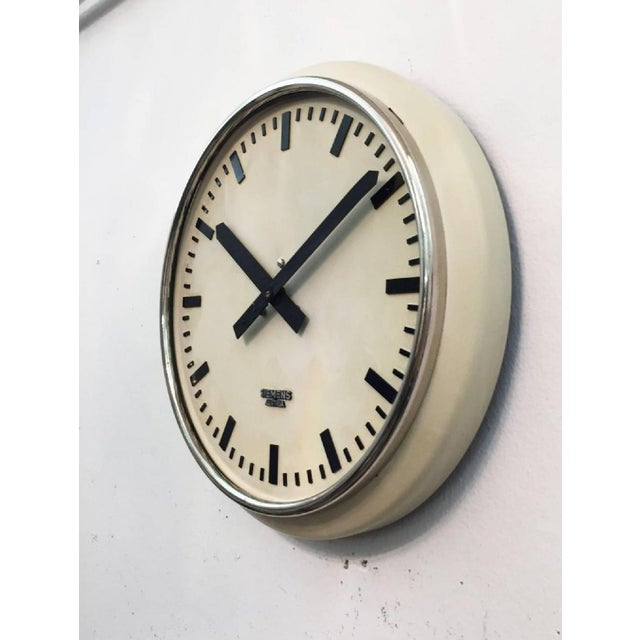Industrial Austrian Factory Clock from Siemens, 1955 For Sale - Image 3 of 5