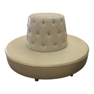 Early 21st Century Vintage Round Banquet Couch For Sale