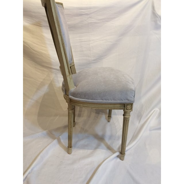 1900 - 1909 Louis XVI Style Painted Chairs - Set of 6 For Sale - Image 5 of 9