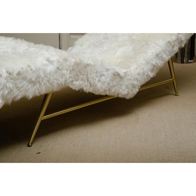 Mid-Century Modern Brass Frame Chaise Covered in White Rabbit by Milo Baughman For Sale - Image 3 of 4