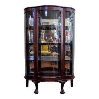 1900s Traditional Mahogany Bow Front China Cabinet For Sale