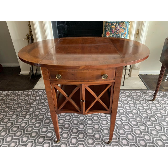 1940s Pair of Federal Style Drop Leaf Side Tables For Sale - Image 5 of 12
