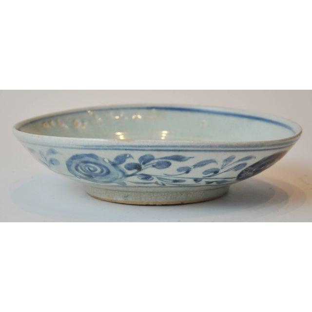 19th Century Collection of Blue and Bone Colored Chinese Porcelain For Sale In Chicago - Image 6 of 9