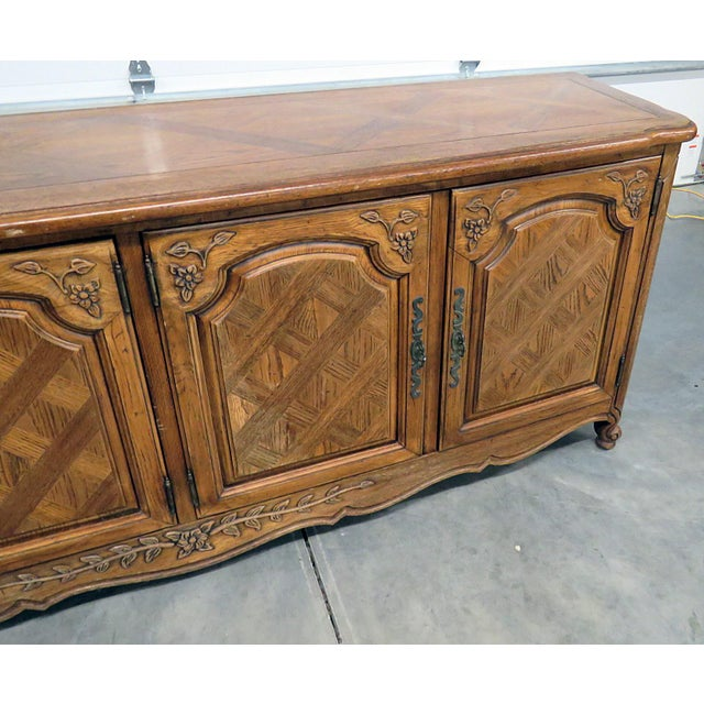 Country Thomasville Country French Style Sideboard For Sale - Image 3 of 10