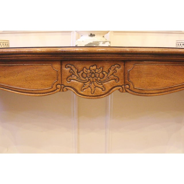 Thomasville 1970s Vintage Thomasville French Country Style Console Table For Sale - Image 4 of 13