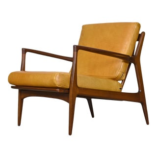 Vintage Danish Modern Ib Kofod-Larsen Sculpted Blade Arm Lounge Chair for Selig For Sale
