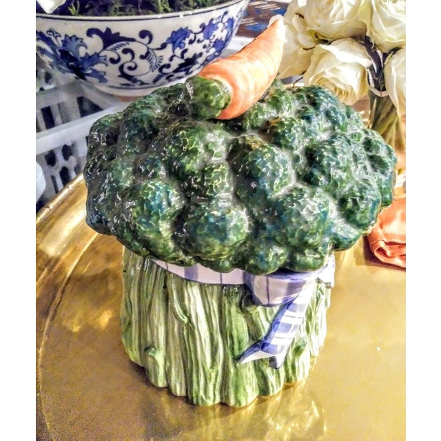 1970s Fitz and Floyd Vintage Vegetable Broccoli Carrot Ribbon Ceramic Canister Cookie Jar For Sale - Image 5 of 6
