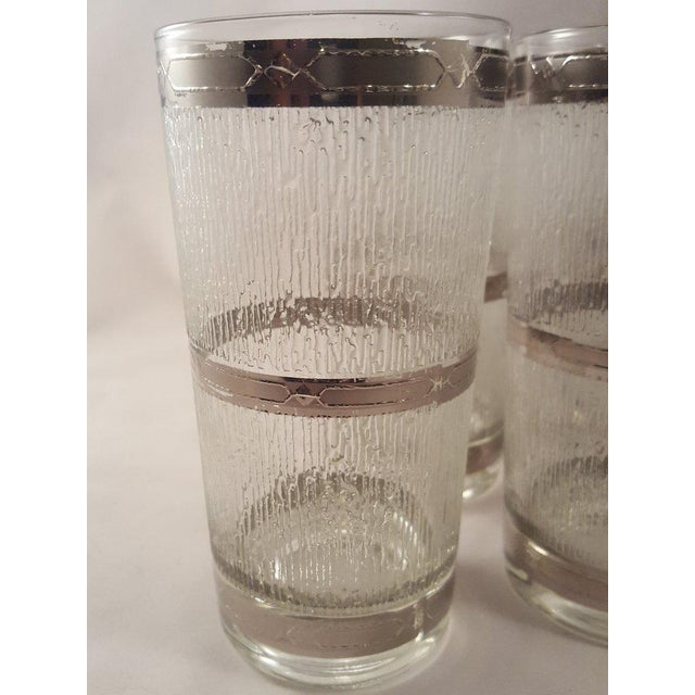 Mid-Century Modern Culver Suburban Wet Textured Platinum Banded Tumblers - Set of 6 For Sale - Image 3 of 11