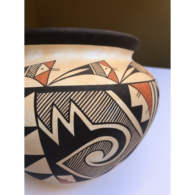 "Black Acoma Pueblo Pottery, Westly Bagaye ""Quail"" For Sale - Image 8 of 11"