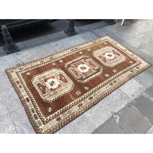 Textile 1960s Vintage Handmade Turkish Bohemian Wool Rug- 4′5″ × 8′4″ For Sale - Image 7 of 11